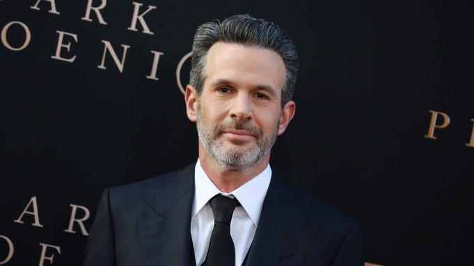 Simon Kinberg/David Weil TV Series Tentatively Titled 'Ray James' – Set To Be Largest Budget Series For Apple TV+ (EXCLUSIVE)